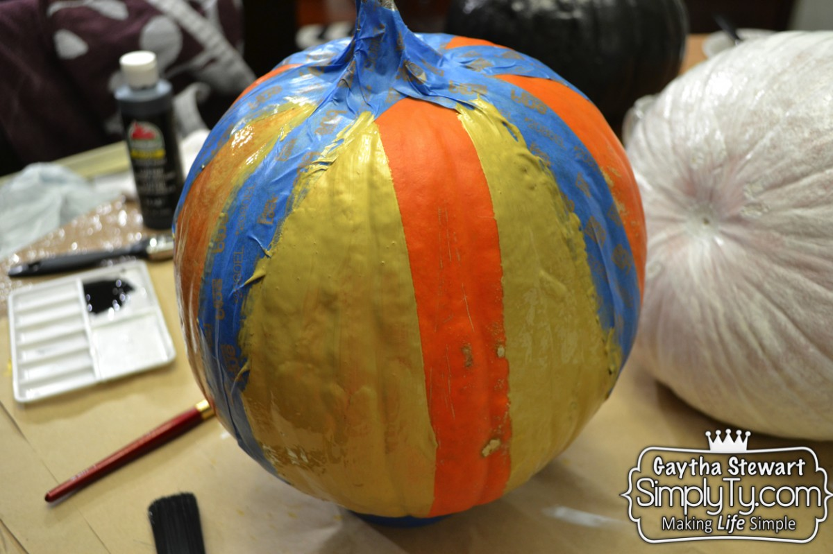 GlitteredPaintedPumpkins2