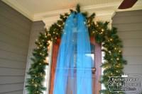 ChristmasDoorGarland3