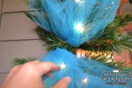 ChristmasDoorGarland4