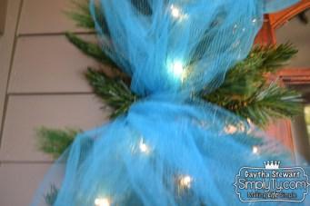 ChristmasDoorGarland5