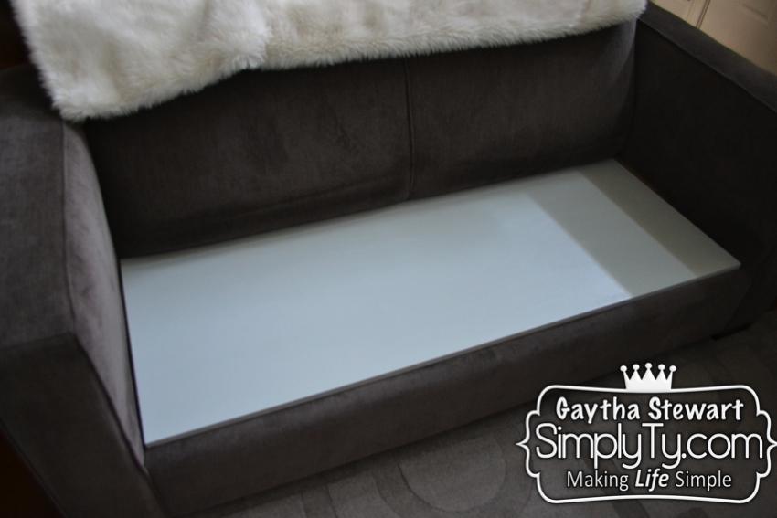 Sinking sofa066