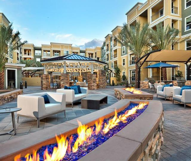Phoenix Luxury Apartments District At Biltmore Fire Features