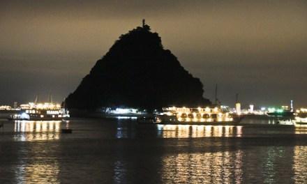 Last Minute Halong Bay – Wenn aus Fremden Freunde werden
