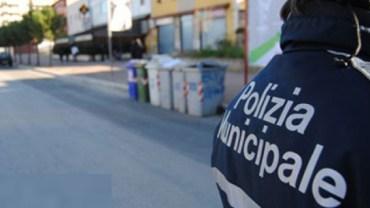 Un vigile urbano in servizio