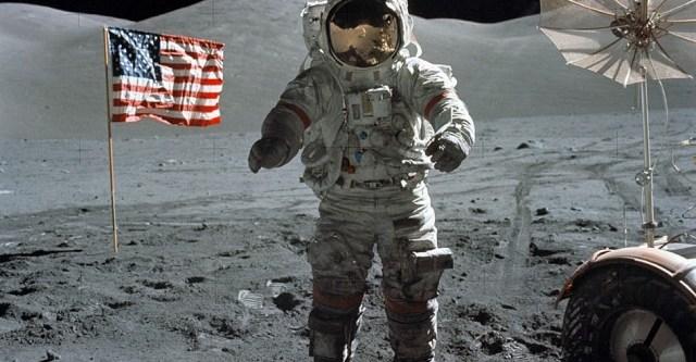 simulazione atterraggio lunare