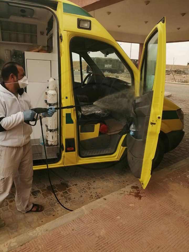 الانتهاء من تعقيم وتطهير منشأت صحية في مدينة الحسنة بوسط سيناء