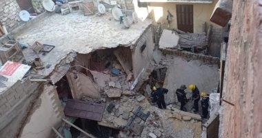 استخراج جثمان سيدة من أسفل أنقاض عقار الدخيلة المنهار بالإسكندرية
