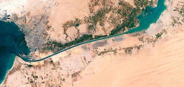 قناة السويس في صور