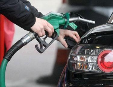 لبنان: إجراءات مشددة لتصريف مخزون الوقود المدعوم تمهيدا للأسعار الجديدة