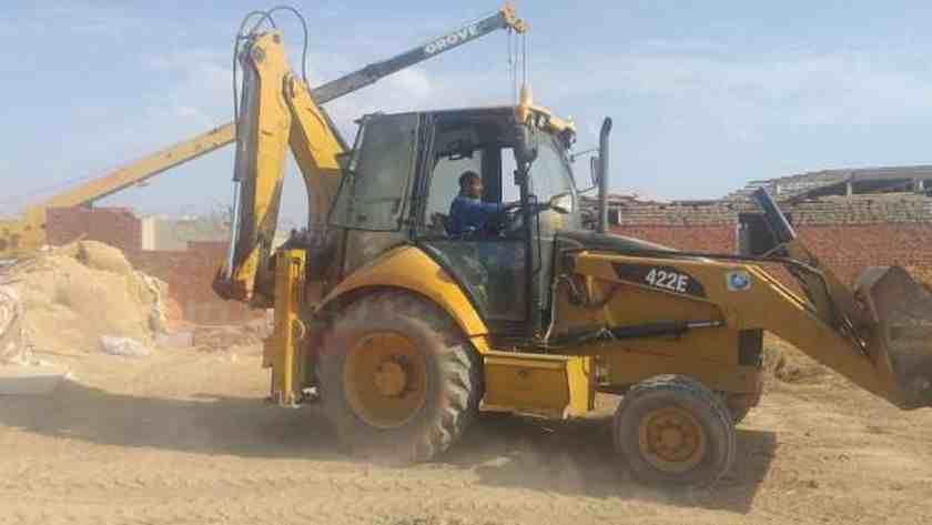 «الدفاع المدني» يواصل البحث عن جثتين تحت أنقاض بئر طور سيناء