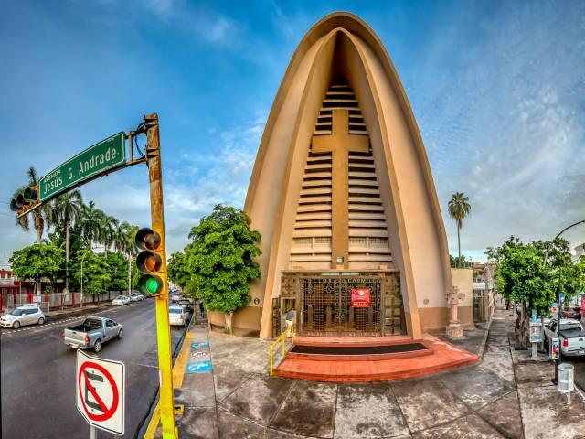 Exterior de la Parroquia de Nuestra Señora del Carmen
