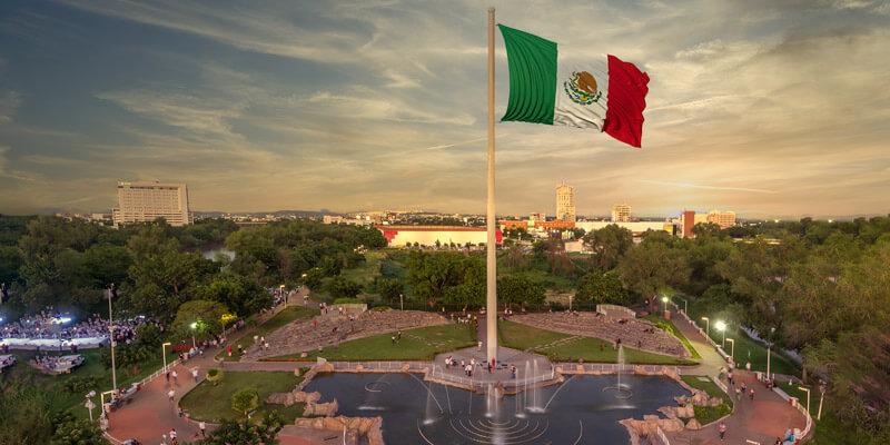 Asta Bandera Monumental