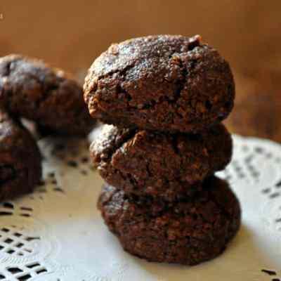 BongMom Cookbook Giveaway Winner & Chocolate Coconut Cookies