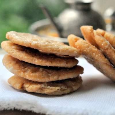 Meethi Mathri (Sweet Mathri)