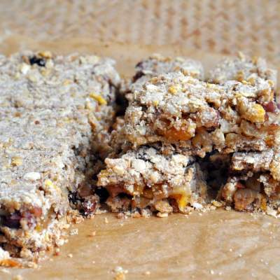 Apple, Apricot Muesli Breakfast Bars – The Perfect Power Breakfast