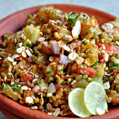Sprouts and Muesli Chaat