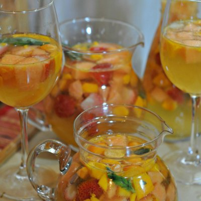 White White Sangria Recipe – Summer Sangria Happiness
