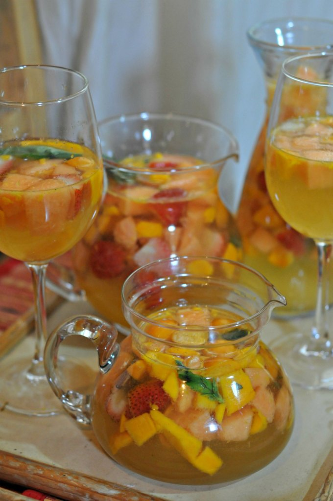 White White Sangria Recipe - Summer Sangria Happiness ...