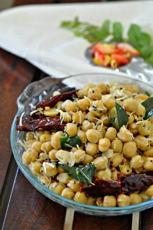 white-chana-sundal-spiced-chickpeas-with-coconut.1024x1024