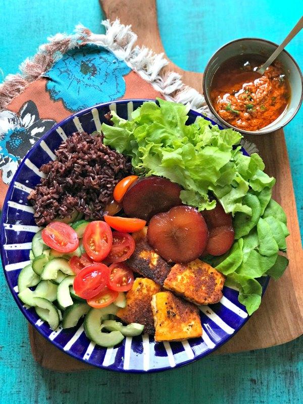 Halloumi Salad with Black Rice