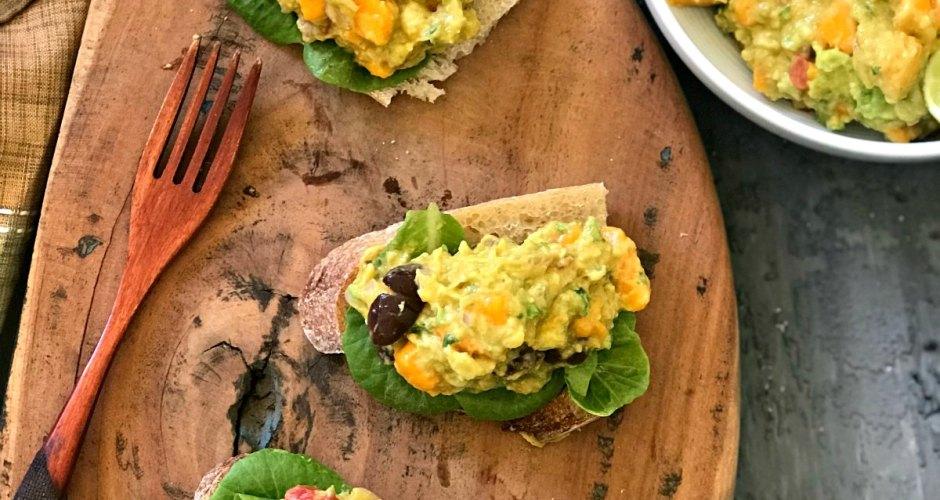 Mango Avocado Toast | Mango Avocado Dip