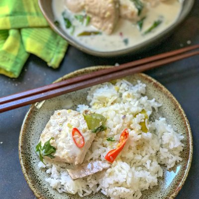 Poached Fish in Thai Spices – A light summery fish curry