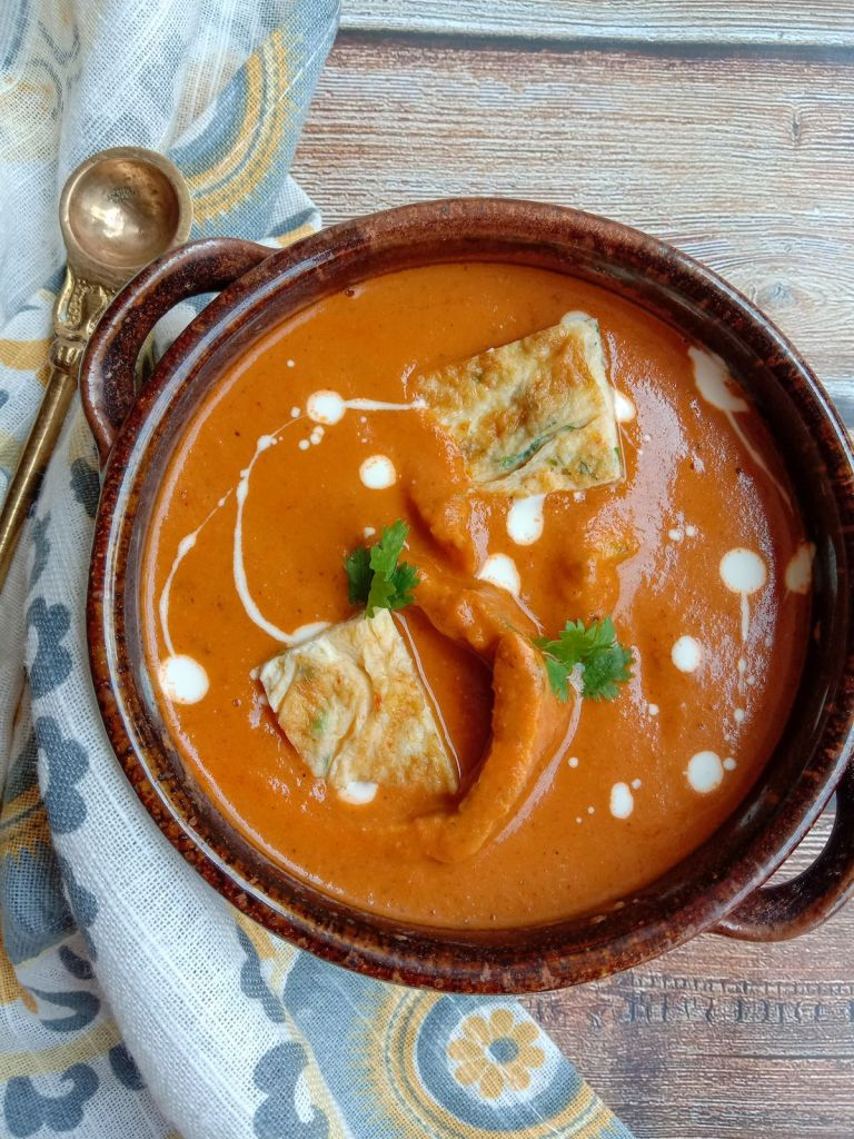Makhni Omelette Gravy