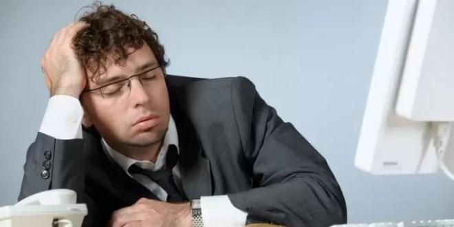 Aburrirse en el trabajo también provoca estrés