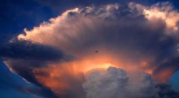 Temor en Pekín por una nube en forma de hongo nuclear