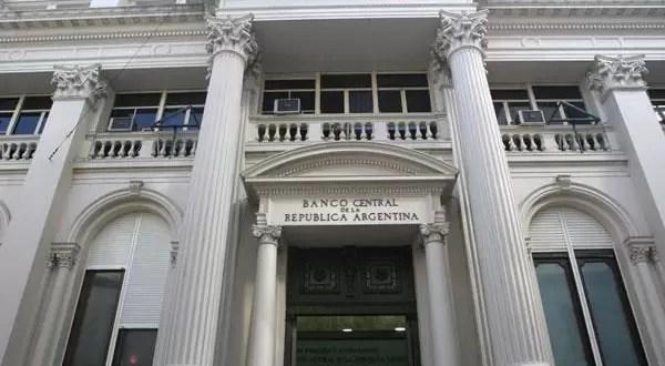 Caen las acciones de los bancos tras las medidas del Gobierno