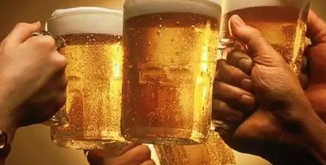 Ahorcan a tres hombres por borrachos