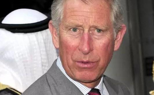 Subastan tostada mordida por el Príncipe Carlos