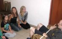 Indignante: Cura obligaba a niñas a que les chupara las rodillas - Fotos