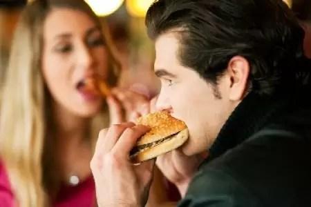 Éste es el efecto que causan en el cerebro los logotipos de comida rápida