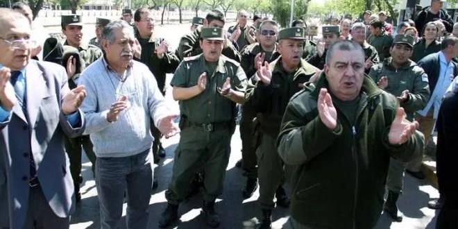 Qué reclaman los gendarmes?