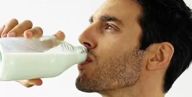 Beber menos leche mejora la calidad del semen