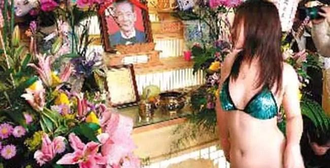 Funerales excéntricos con bailes de strippers