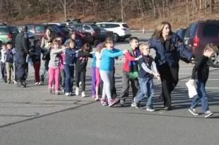 Masacre en Connecticut: 27 personas muertas en escuela primaria
