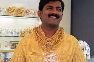 Fotos: camisa de oro valuada en 240.000 dólares