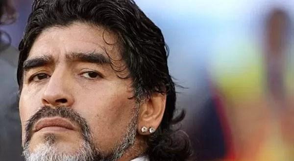 Maradona se disculpa como 'caballero' con Verónica Ojeda