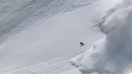 Video: Sverre Liliequist esquiva una avalancha y se salva de milagro