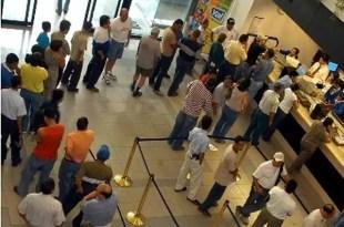 Nueva medida: los bancos atenderán al público en 'minicabinas'