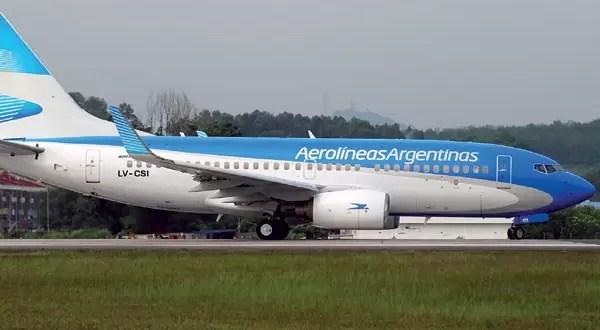 Aerolíneas Argentinas subió sus tarifas 176%
