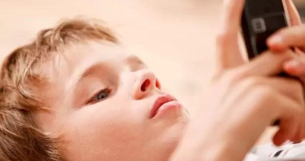 Cómo saber si tu hijo está listo para su primer celular