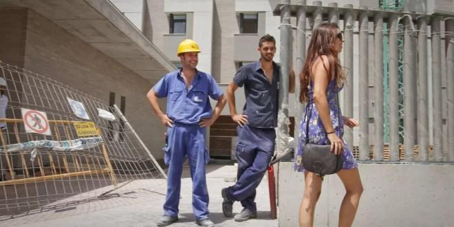 Insólito: Tirotea a obreros por piropear a su hijastra - Video