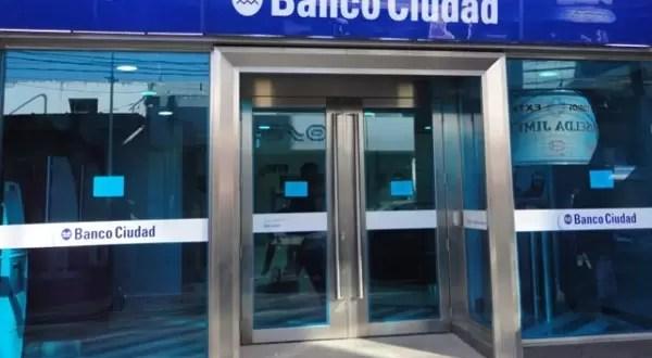 Robo insólito: Rabinos se llevan dos cajas de seguridad del Banco Ciudad
