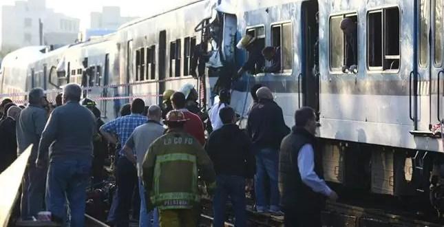 Videos del choque de trenes del Sarmiento en Castelar
