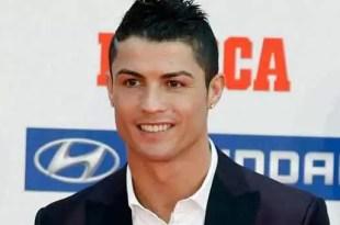 Video: Cristiano Ronaldo le quiebra la muñeca a un niño