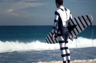 Video: Traje de surfista que repele tiburones