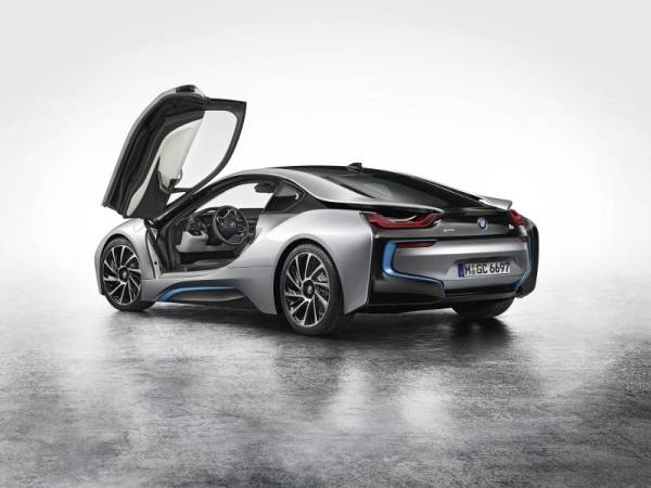 The First-Ever BMW i8.